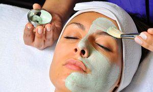 На фото: Альгинатная маска для лица
