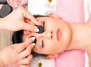 На фото: Китайский массаж лица