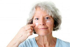 На фото: Маски для сухой кожи после 50 лет