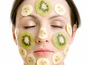 На фото: Маски для лица из банана
