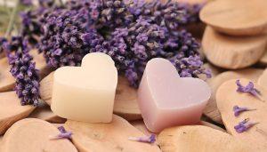 Почему стоит отказаться от умывания мылом?